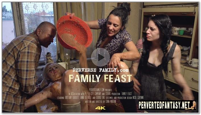 PerverseFamily.Com-Family-Feast-1.jpg