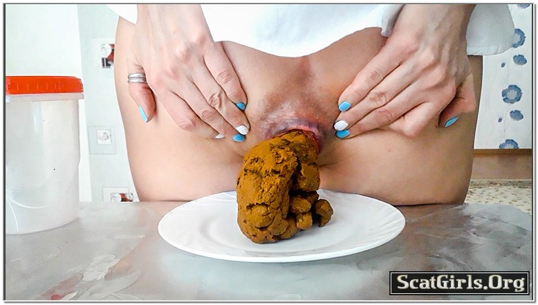 SCAT INTO MOUTH - ScatLina - I Eat And Swallow 3 Big Loads Of My Shit By Top Babe Lina